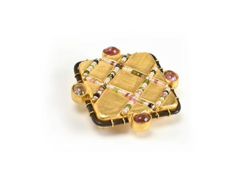 brooch ithys unique jewellery gold 18kt tourmaline pearls papiermache paper goldleaf gian luca bartellone bodyfurnitures