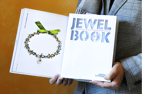 jewel-book-International-Annual-Contemporary-jewelry-handcrafted-gian-luca-bartellone-bodyfurnitures