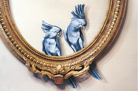 gian luca bartellone trompe oeil parrot painting on wall frame illusion