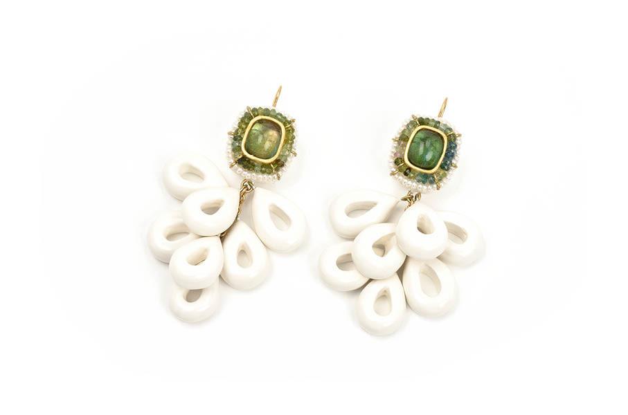 orecchini adhaesi gioiello pezzo unico tormalina verde cartapesta bartellone bodyfurnitures italia