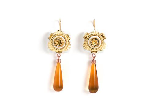 Orecchini Variatio Nr. 3, gioiello pezzi unici fatto con rame, ambra, citrini e cartapesta da Gian Luca Bartellone, Bodyfurnitures Italia