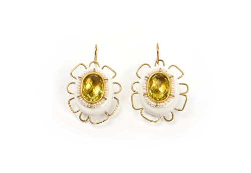 Earrings Nucleo: unique handmade jewelry in gold 18k with lemon citrine and papiermache by designer Gian Luca Bartellone