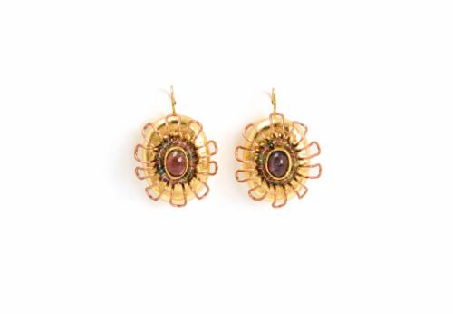 Ohrringe Floreo: Schmuck Einzelstück aus Pappmache, Gold, Kupfer, Turmaline von Gian Luca Bartellone von Bodyfurnitures aus Bozen