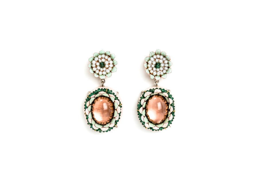 Italian contemporary jewelry: Earrings Coronea, 2019, made of papier-mâché, gold 18kt, silver, copper, emeralds, rose quartz, pearls. Handmade one-of-a-kind-jewelry by italian jeweller artist Gian Luca Bartellone, Bodyfurnitures. Discover him at Salon Resonance[s] in Strasbourg, France.