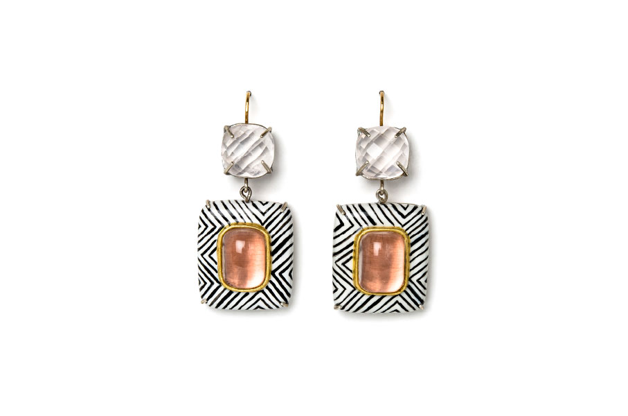 Handpainted white earrings with black lines. Contemporary jewelry: Earrings Vicis, 2020, made of papier-mâché, gold 18kt, silver, rose quartz, gold leaf 22kt. Handmade one-of-a-kind-jewelry by Gian Luca Bartellone, Bodyfurnitures, Italy.